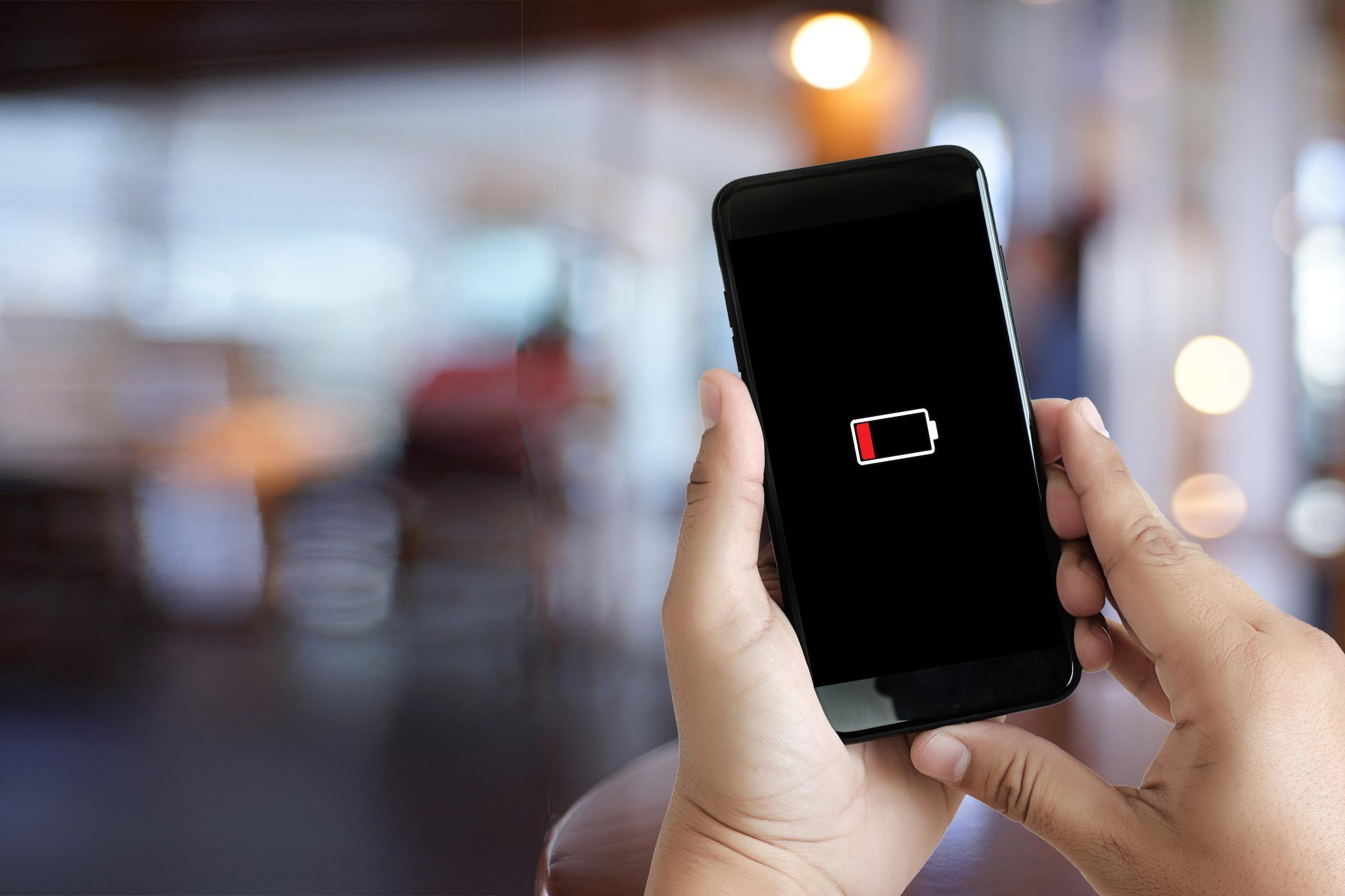 Qual é a melhor capinha recarregável para seu iphone ou android